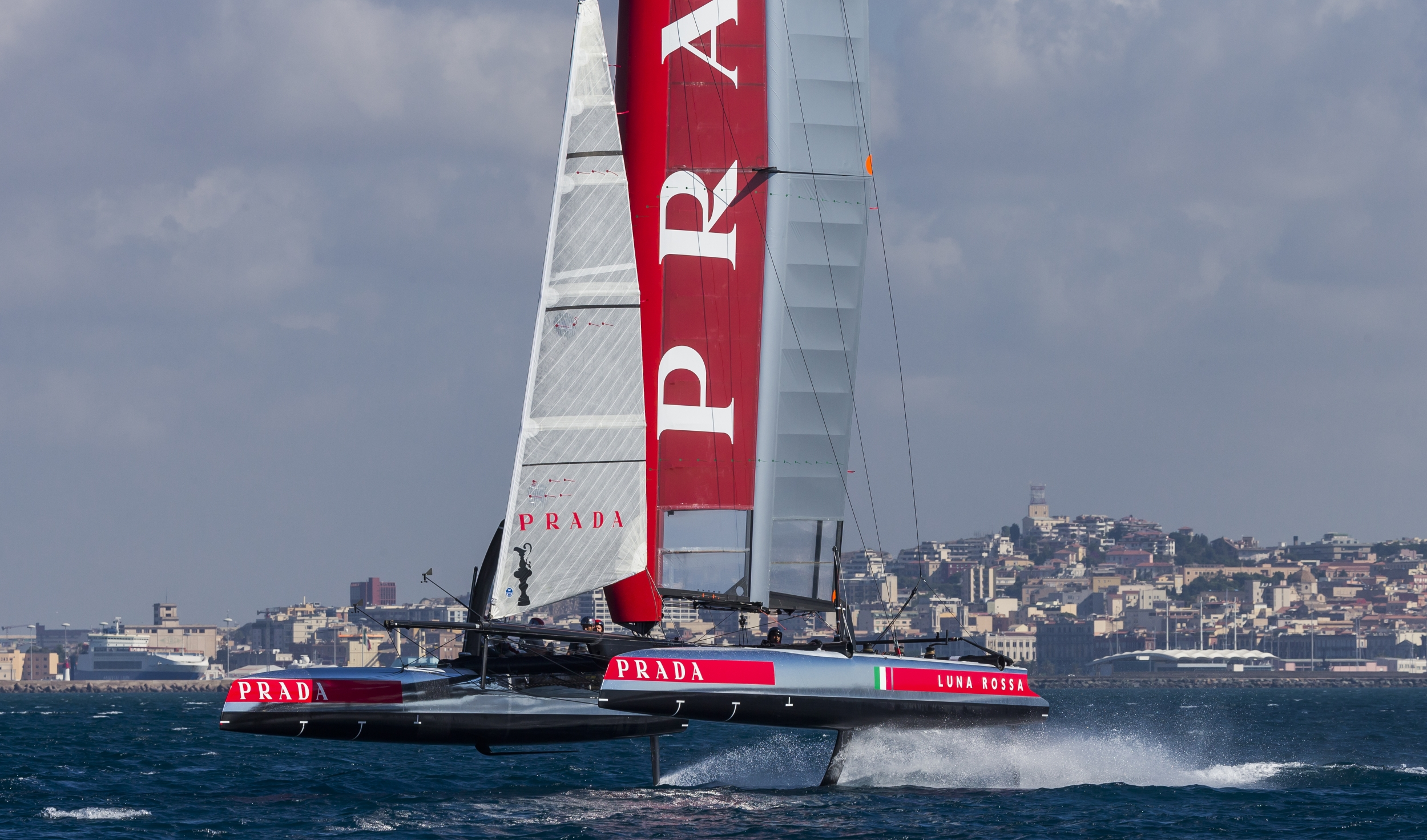 Luna Rossa AC45 training